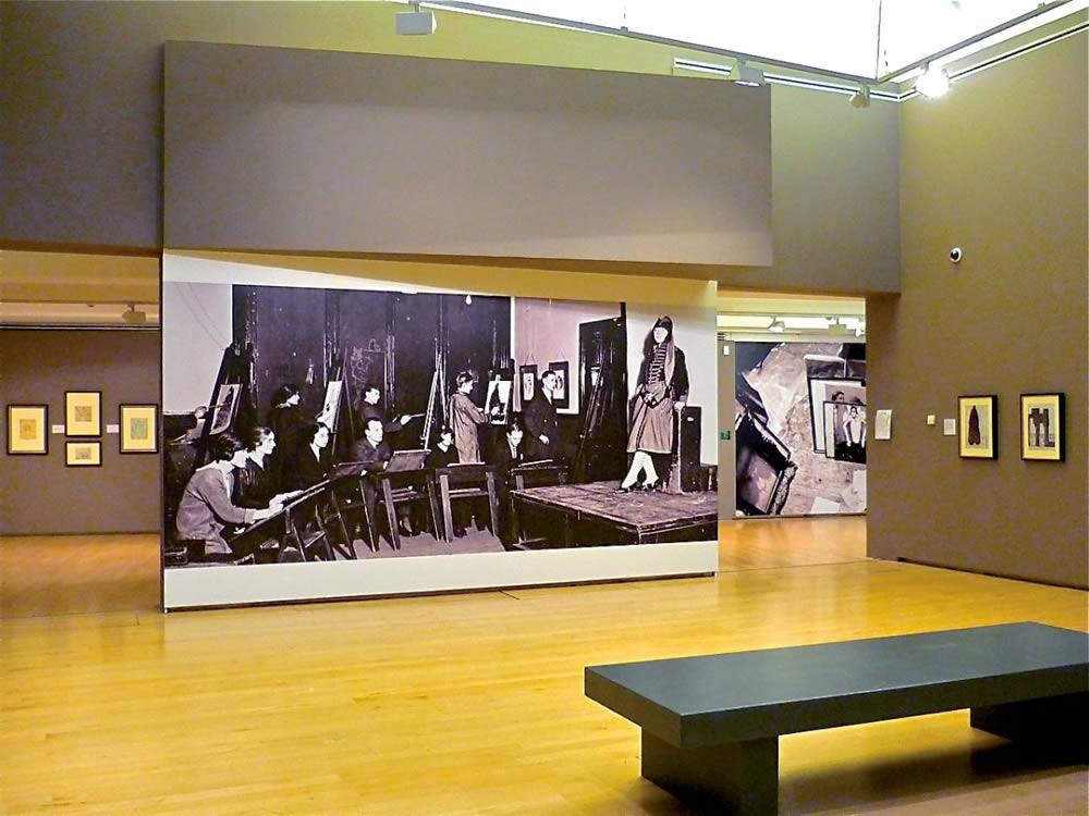 habillage intérieur en tissu musée
