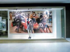 cadre en tissu vitrine Hugo Boss