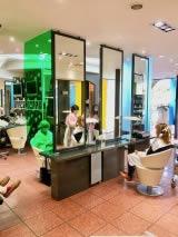 cloison de protection contre le covid19 pour les coiffeurs