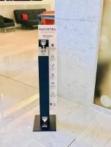 distributeur de gel hydroalcoolique hotel