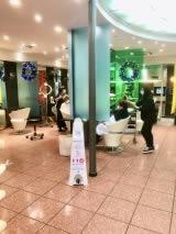 distributeur gel hydroalcoolique sans contact pas cher pour salon coiffure