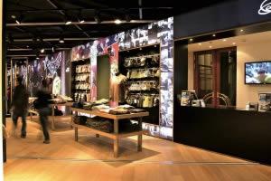 habillage magasin cadre lumineux Paris