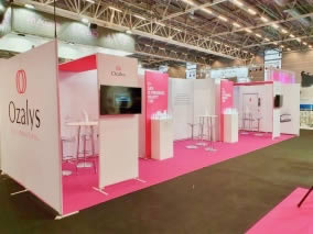 Stand modulable avec Galerie stand Contour