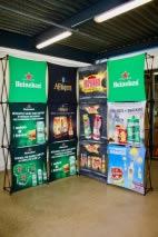 stand parapluie Heineken