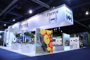 stand Parrot grande surface