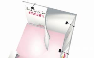 stand transportable Evian vue de 3/4